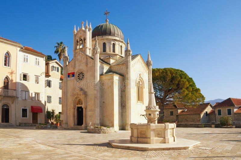 Religiös arkitektur Ortodox kyrka av ärkeängeln Michael i gammal stad av Herceg Novi Montenegro arkivbild