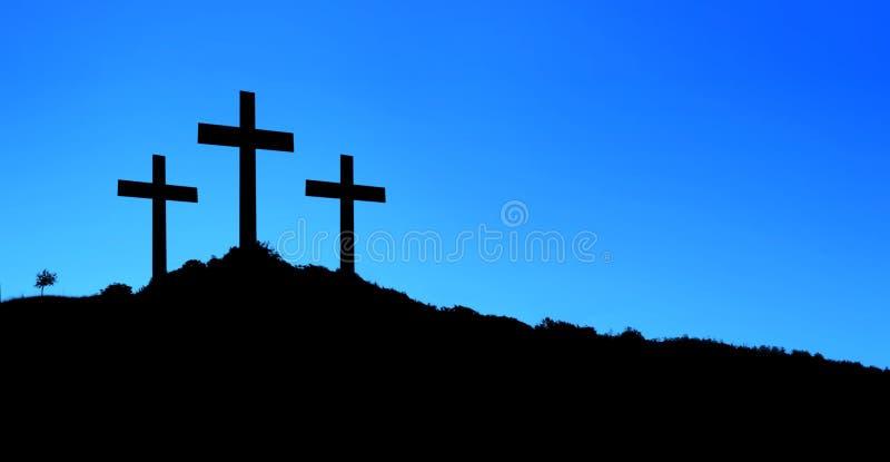 Religiöse Illustration mit drei Kreuzen auf Hügel und blauem Himmel vektor abbildung