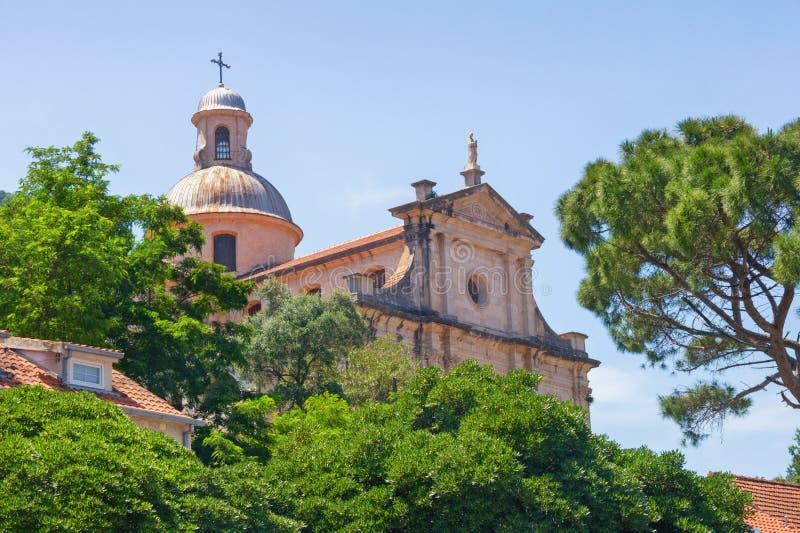Religijna architektura Montenegro, Prcanj miasteczko Widok kościół narodziny Nasz dama obraz royalty free