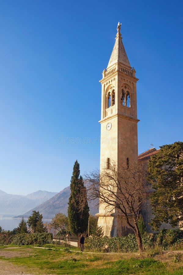 Religijna architektura Widok kościół katolicki święty Eustace Dobrota miasteczko, Montenegro fotografia royalty free