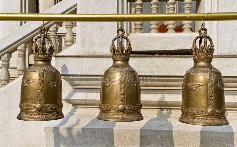 Religijni dzwony w świątyni obrazy stock