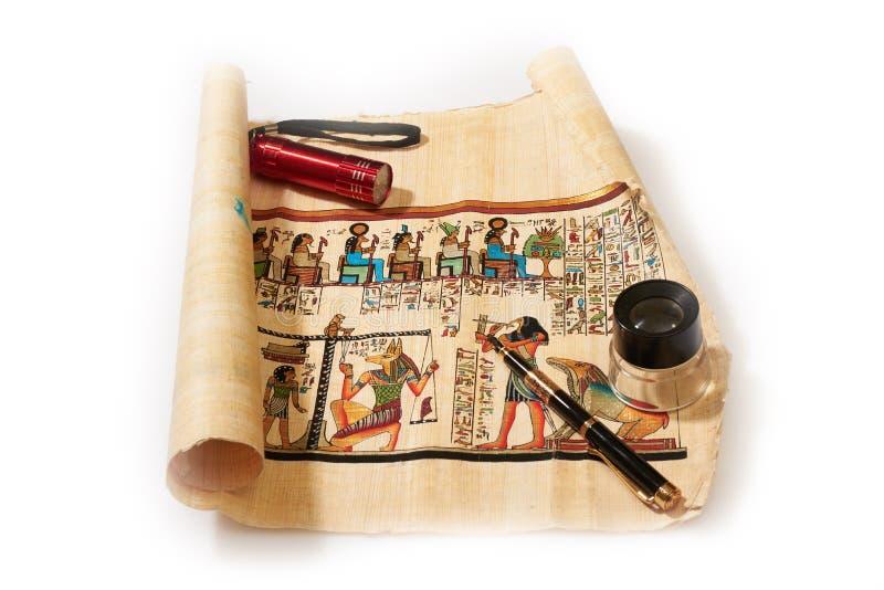 Religione egiziana antica nei disegni sul papiro fotografie stock