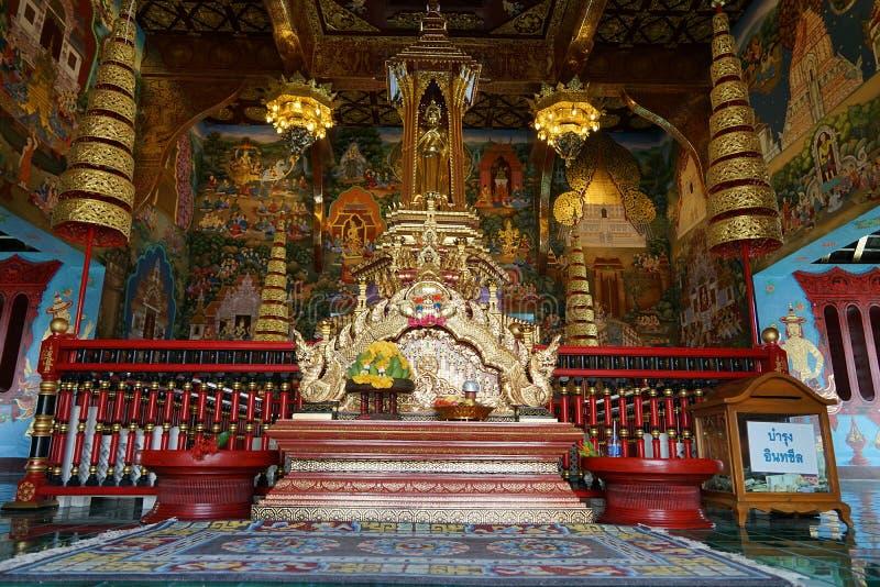 Religionen för lopp för gud för buddism för BuddhaThailand tempel den guld- arkivbilder