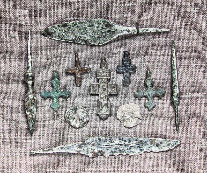 Religionvapenpengar royaltyfria bilder