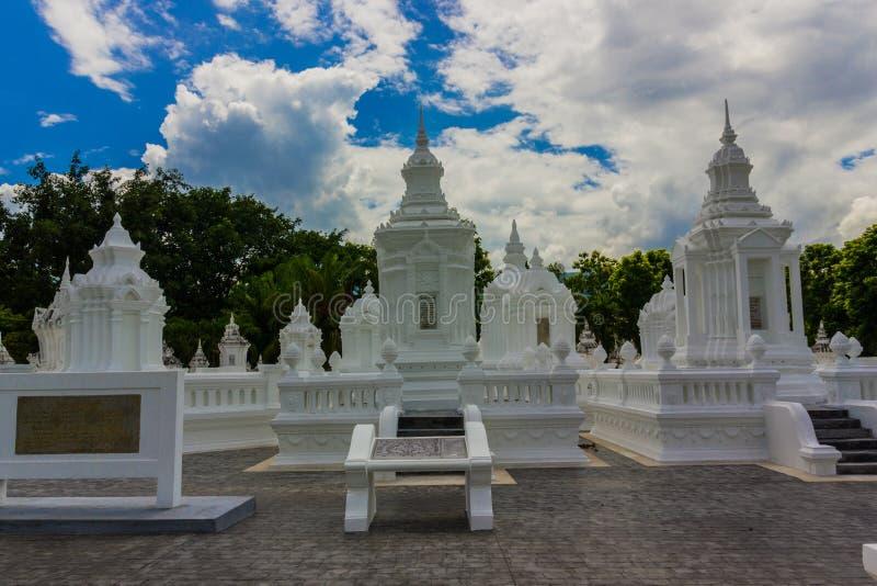 Relikwieënschrijn Wat Suan Dok Temple stock afbeelding