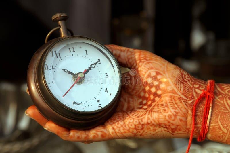 Reloj antiguo de la mano fotografía de archivo libre de regalías