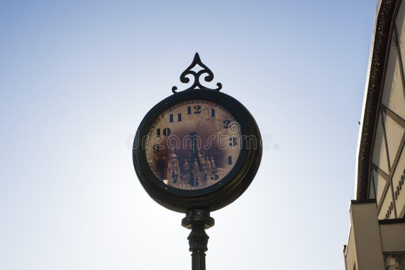 Reloj antiguo original de la calle fotos de archivo libres de regalías