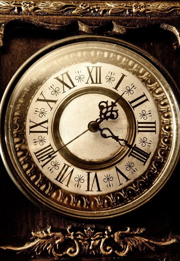 Reloj antiguo viejo foto de archivo libre de regalías