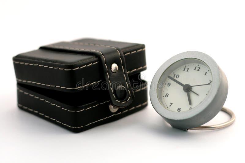 Reloj cerca del rectángulo foto de archivo libre de regalías