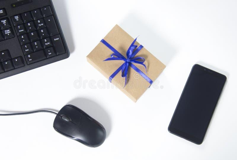 Reloj costoso, mariposa clásica negra, mancuernas elegantes, opinión superior clásica de cuero de zapatos fotos de archivo libres de regalías