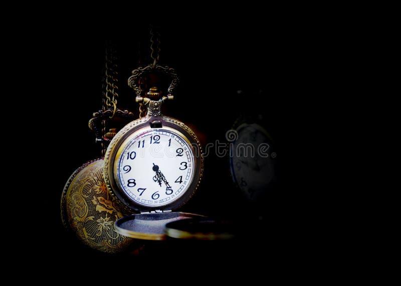 Reloj de bolsillo de plata imágenes de archivo libres de regalías