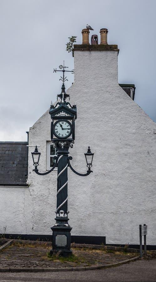 Reloj de la calle con la rosa de compás fotos de archivo libres de regalías