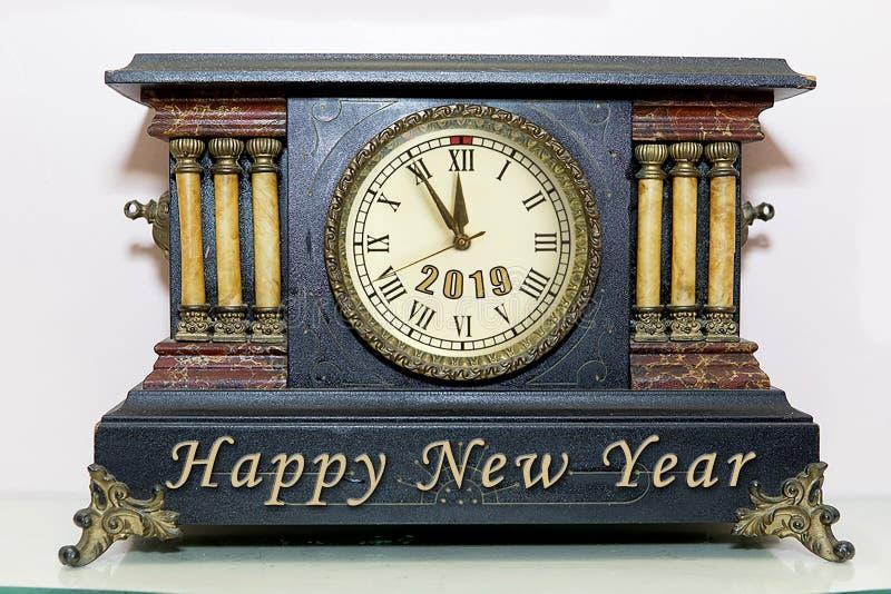Reloj de la capa del Año Nuevo imágenes de archivo libres de regalías