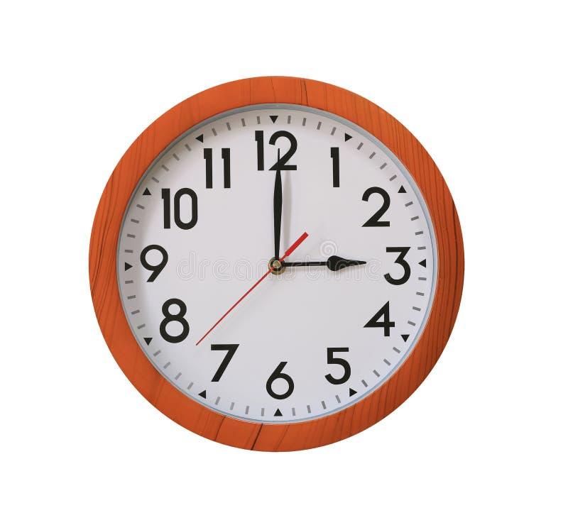 reloj de la madera del marrón del modelo en las tres aislada en b blanco imagen de archivo libre de regalías