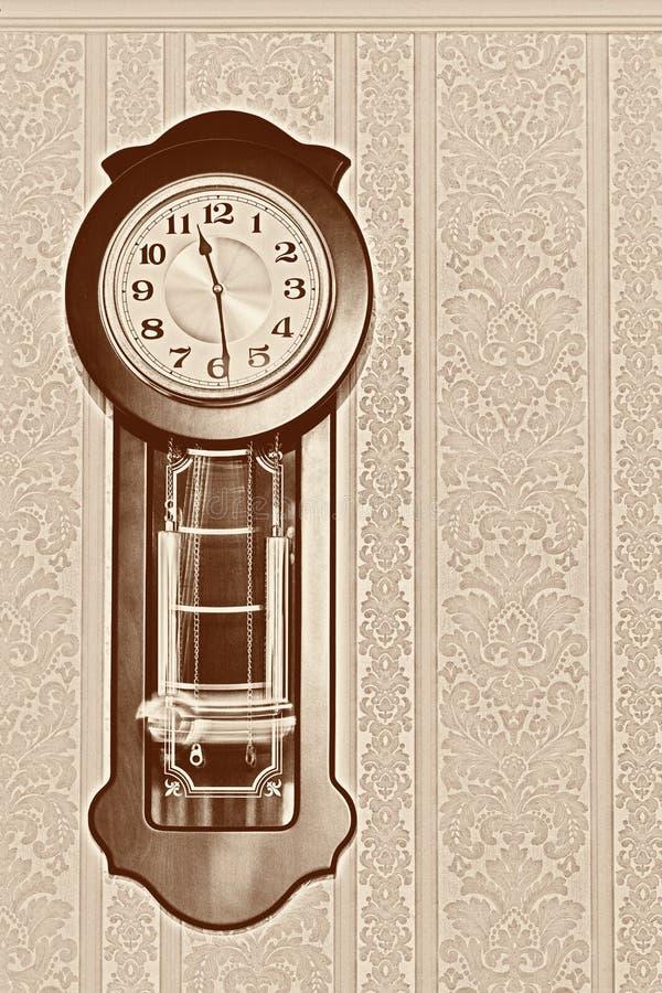 Reloj de p?ndulo viejo fotos de archivo libres de regalías