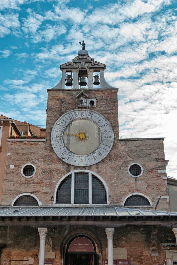 Reloj de sol en San Giacomo di Rialto Church, Venecia foto de archivo libre de regalías