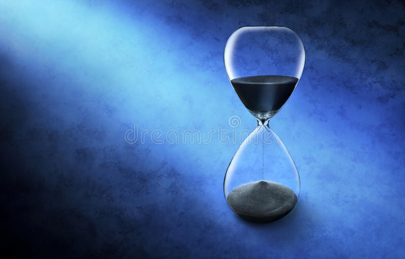 Reloj de tiempo del reloj de arena foto de archivo