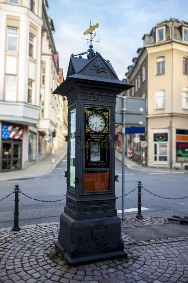 Reloj del anuncio en Werdau, Alemania, 2015 imagenes de archivo
