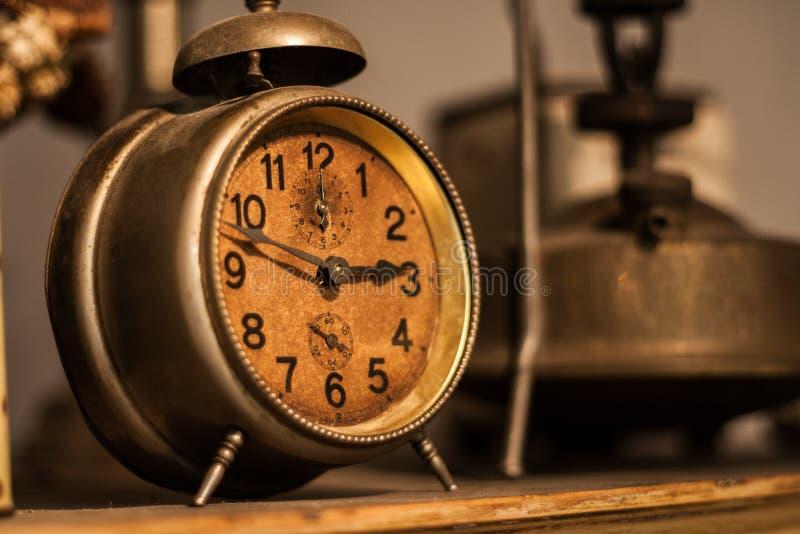 Reloj del vintage imagenes de archivo