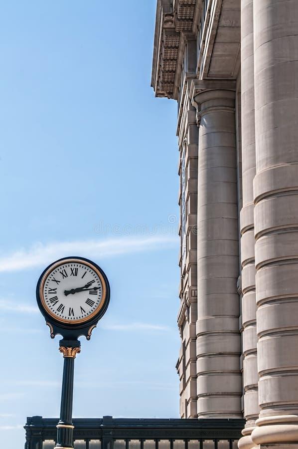 Reloj en la estación Kansas City Missouri de la unión fotos de archivo