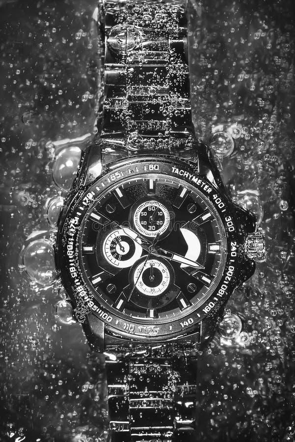 Reloj en la soda (blanco y negro) fotografía de archivo libre de regalías
