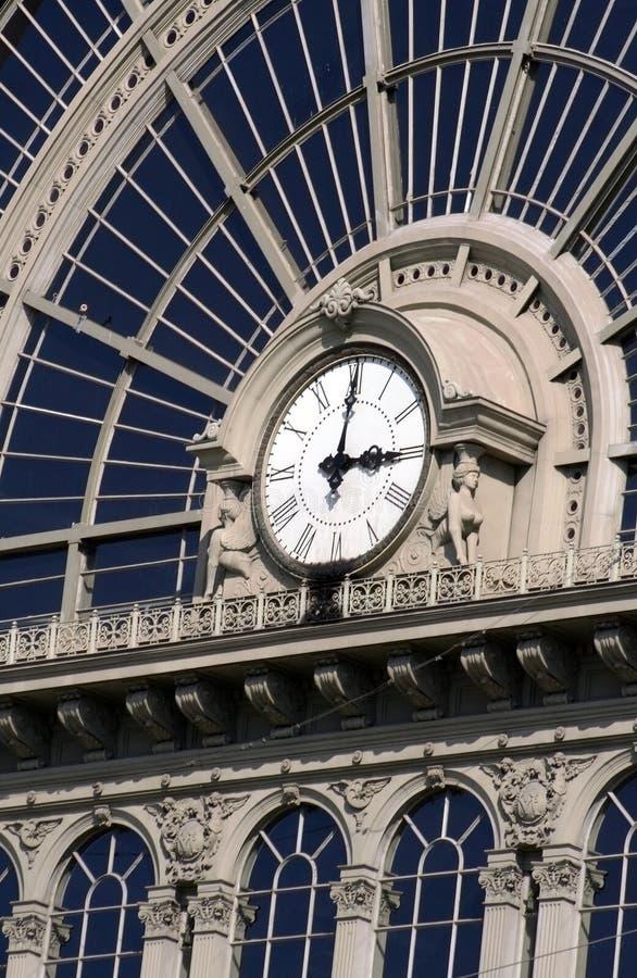 Reloj ferroviario, Hungría Budapest fotos de archivo
