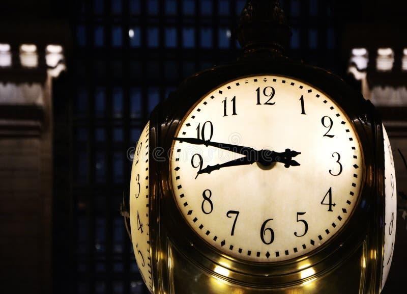 Reloj grande en la estación del ` s Grand Central de Nueva York imagen de archivo