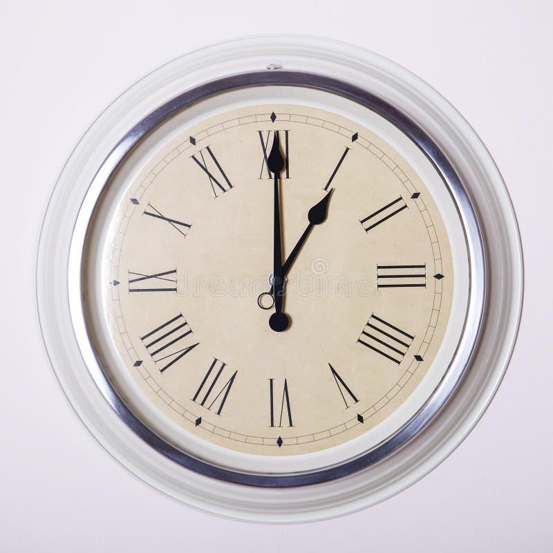 Reloj a las 1 fotos de archivo