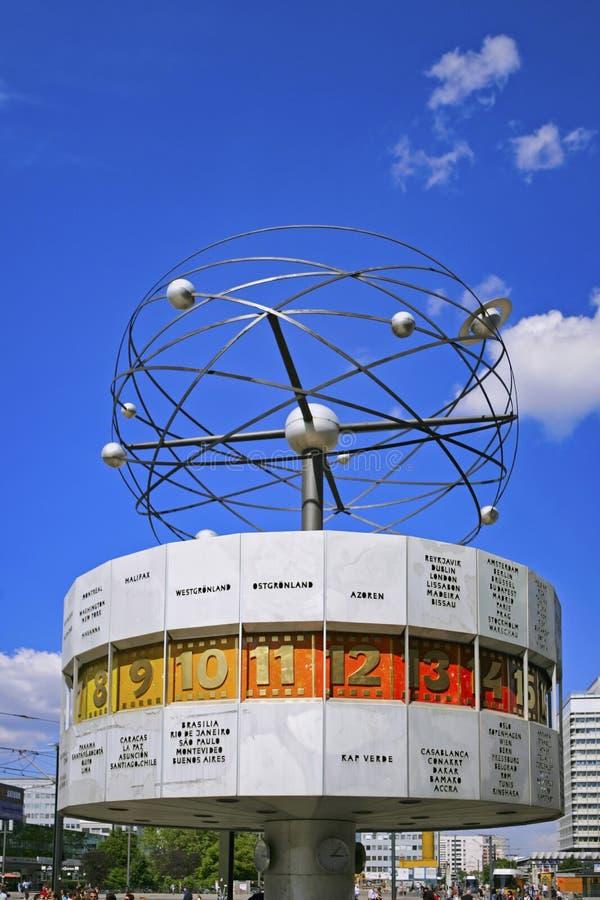 Reloj mundial, Alexanderplatz, Berlín, Alemania imagen de archivo