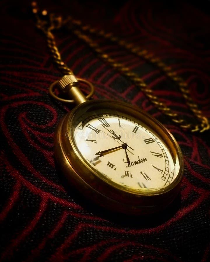 Reloj real único con la cadena de la India foto de archivo libre de regalías