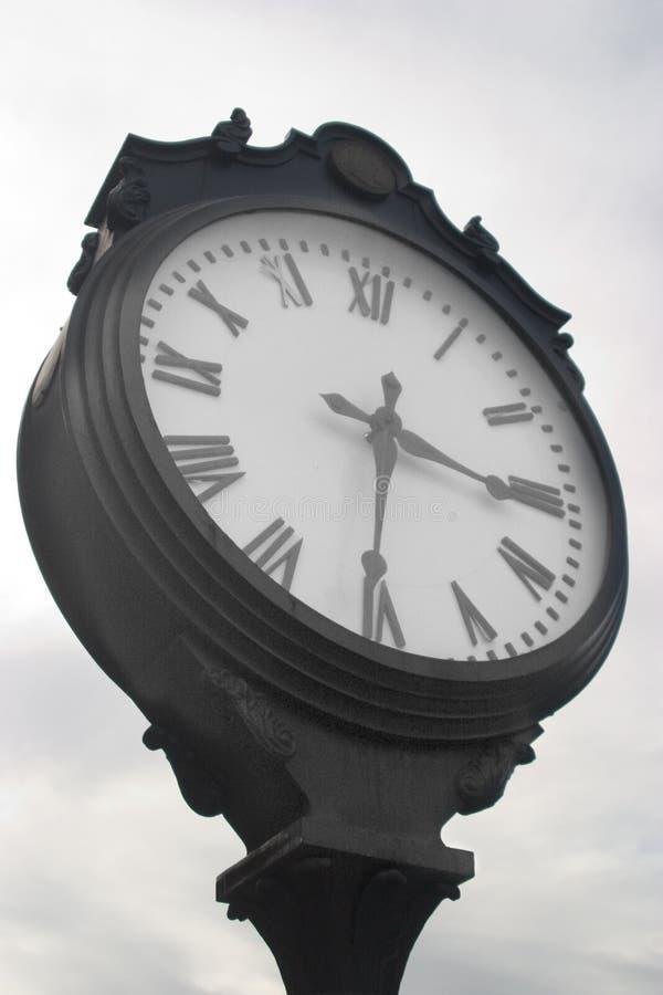 Reloj viejo de la ciudad imagen de archivo libre de regalías