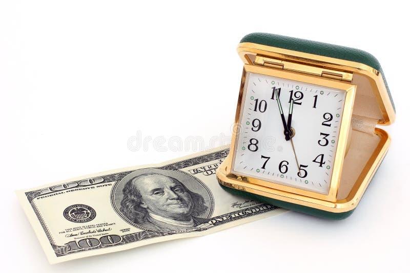 Reloj viejo del camino Reloj retro El tiempo es oro imagenes de archivo
