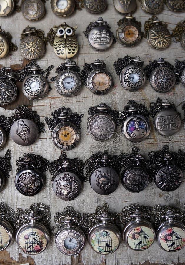 Relojes de cadena imagen de archivo libre de regalías