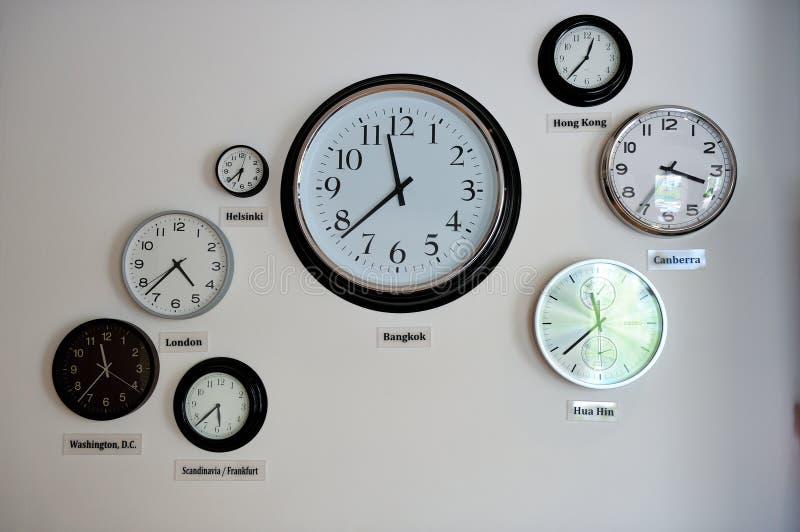 Relojes de la zona de hora mundial foto de archivo libre de regalías