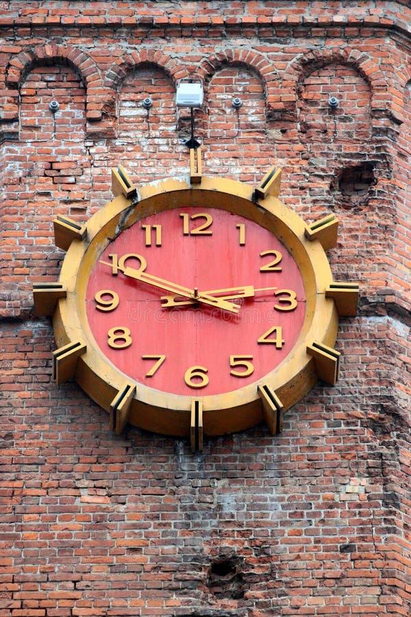 Relojes en torre de agua vieja en Vinnytsia central, Ucrania foto de archivo libre de regalías