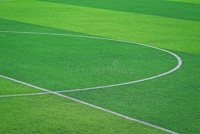 Relvado artificial do campo de futebol do futebol fotografia de stock