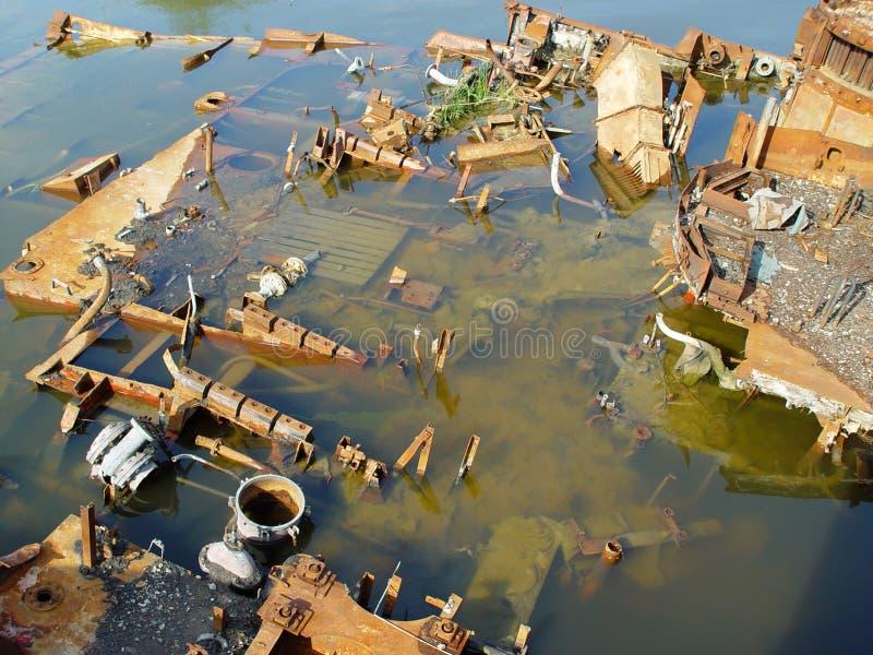 Remains arrugginiti di una nave sunken fotografie stock