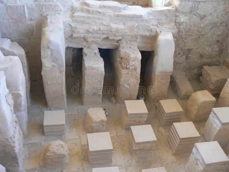 Remains do mosaico nos banhos romanos fotografia de stock royalty free