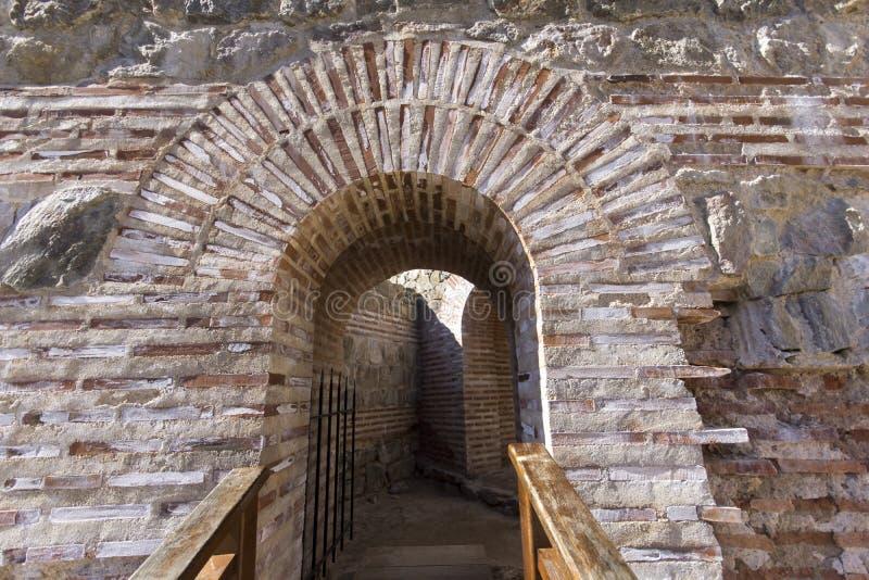 Remanente de antiguo romano fortaleza la puerta del Trajan, Sofia Region, Bulgaria imagen de archivo libre de regalías