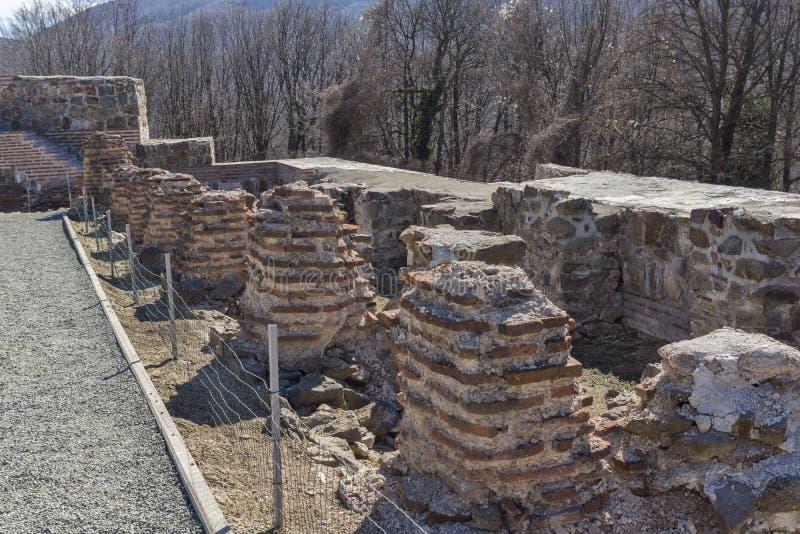 Remanente de antiguo romano fortaleza la puerta del Trajan, Sofia Region, Bulgaria foto de archivo libre de regalías