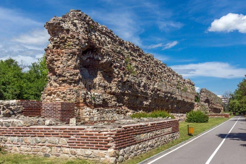 Remanings de fortalecimientos romanos antiguos en Diocletianopolis, ciudad de Hisarya, Bulgaria imágenes de archivo libres de regalías