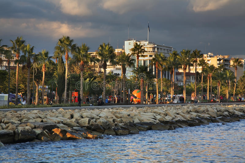 Remblai de Molos à Limassol cyprus photos stock