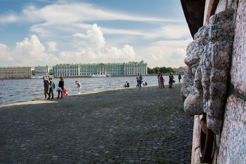Remblai de Neva, St Petersburg, Russie photographie stock libre de droits
