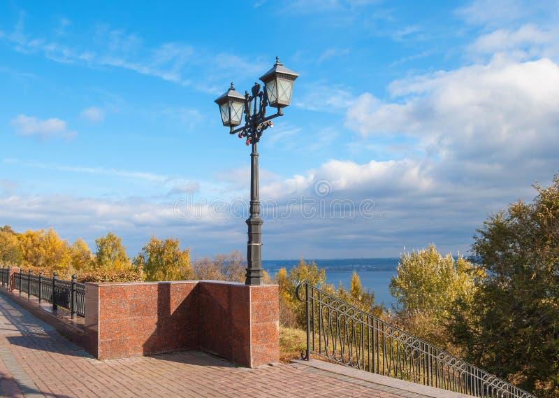 Remblai de ville d'automne photos libres de droits