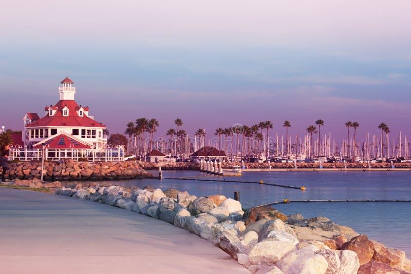 Remblai sur le coucher du soleil la Californie Etats-Unis Long Beach Los Angeles parité photo stock