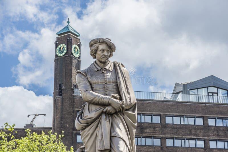 Rembrandt staty i Amsterdam, Nederländerna arkivfoto