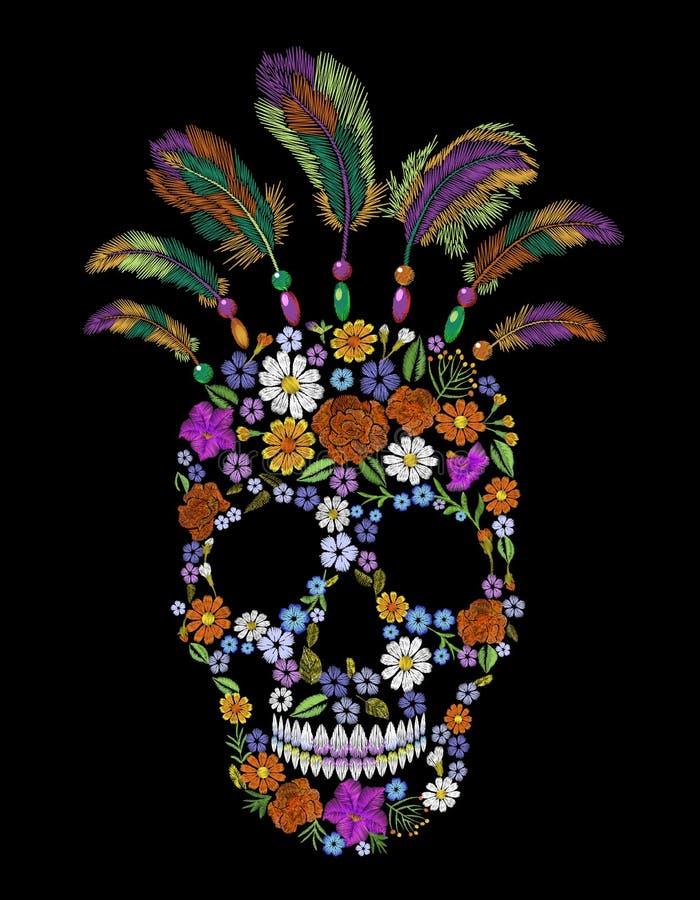 Remendo da forma do crânio da flor do bordado O ornamento mexicano indiano nativo veste a decoração Textura realística costurada ilustração royalty free