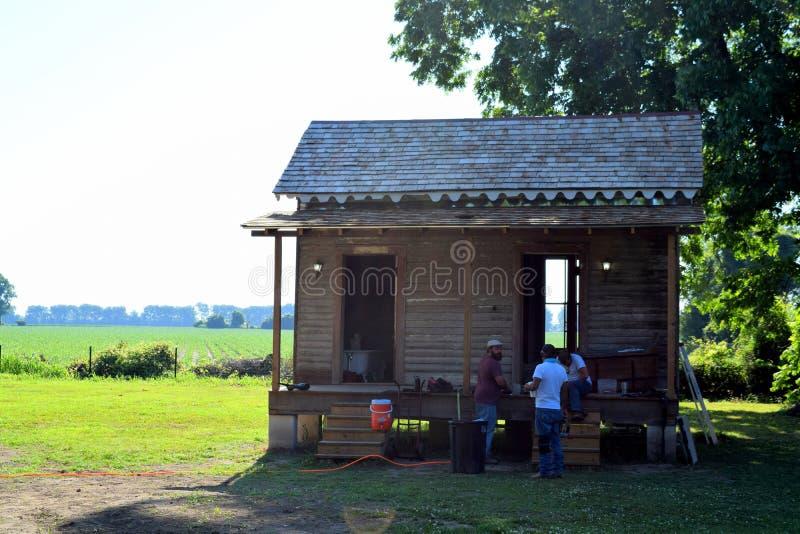 Remodelação antebellum da barraca do sharecropper da plantação de Belmont foto de stock royalty free