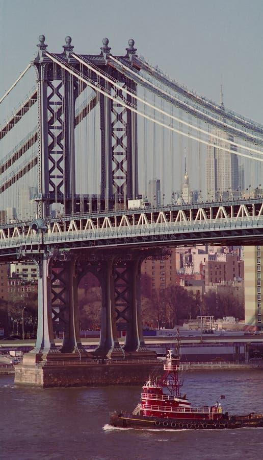 Download Remolcador En East River De Nueva York Foto de archivo - Imagen: 23925724