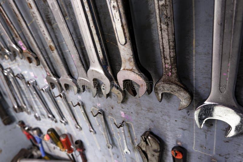 Remontowy narzędziowy gabinet Który foluje wyposażenie dla przemysłowej pracy obrazy stock